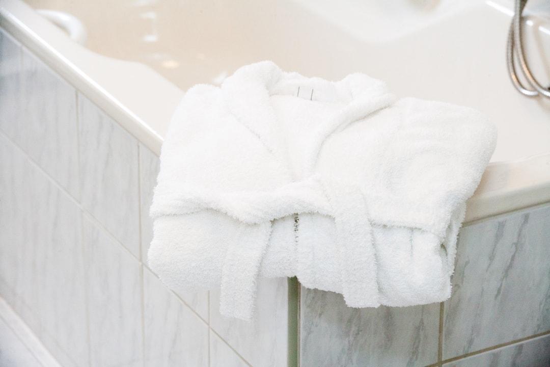 Wohlfühlatmosphäre: Für unsere Gäste stehen Bademäntel zur Verfügung.